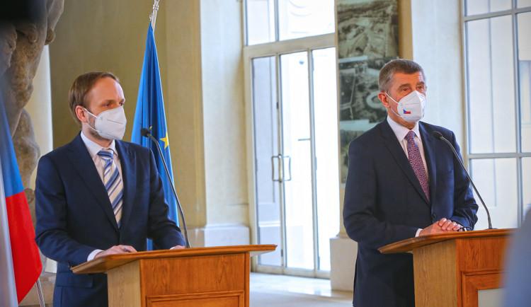 Ambasádu v Praze musí opustit dalších 63 Rusů, Rusko protikroky neoznámilo