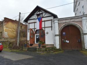 Zašlá sláva Pramenů v rukou ruského podnikatele. Je důvod slavit?