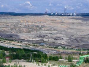 Polsko musí okamžitě zastavit těžbu v dole Turów, nařídil soud EU