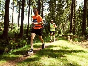 Ministerstvo zdravotnictví schválilo Běhej lesy start sezóny. Začíná se ve Slavkovském lese