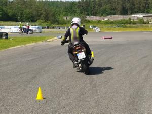 Na polygonu v Sosnové trénují učitelé autoškol