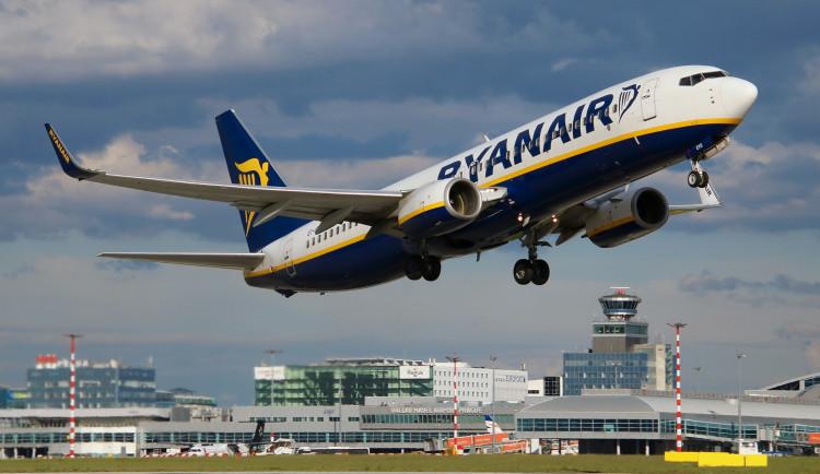 Na pražském letišti ověřují covidové certifikáty, nutné jsou už u odbavení