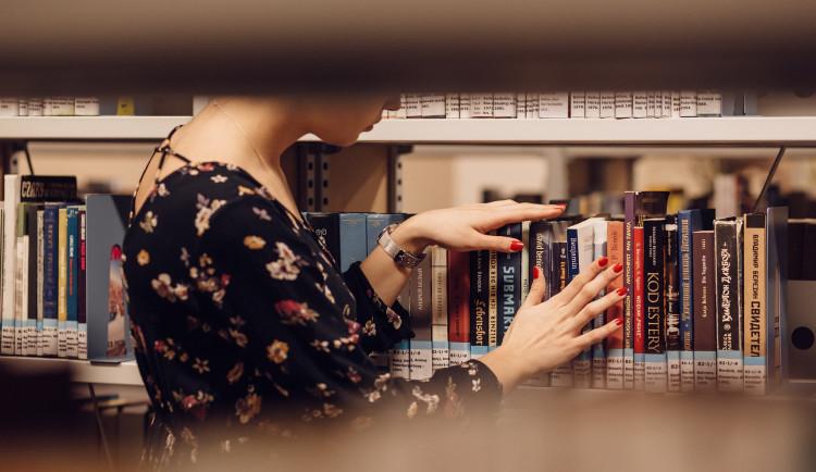 Pedagogické fakulty a některé spolky zopakovaly kritiku novely o učitelích
