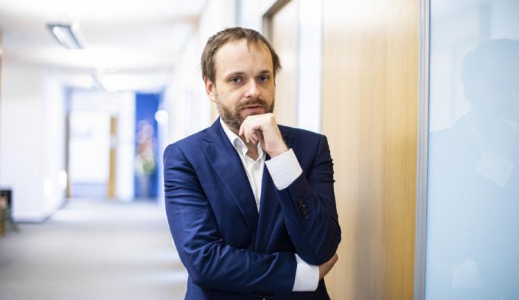 Kulhánek: Od pátku nebudou muset plně očkovaní Češi na test po příjezdu