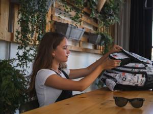 Blíží se školní rok. Jak vybrat správný batoh? Bagmaster sází na kvalifikované zdravotní posudky a tři roky záruky