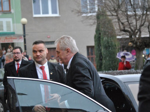 Podle Zemana organizoval čtvrteční setkání Babiše s jeho synem režisér Klusák