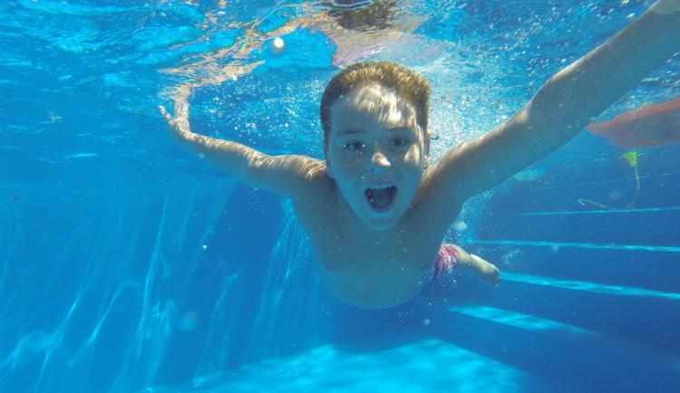 Školní plavecké kurzy? Podmínky po konci testování žáků nejsou zatím jasné