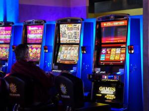 V Česku je téměř 200 tisíc lidí vyloučeno z hazardního hraní. Někteří se do rejstříku zapsali dobrovolně