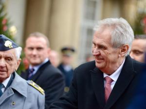 Prezident Miloš Zeman byl dnes dopoledne odvezen do nemocnice