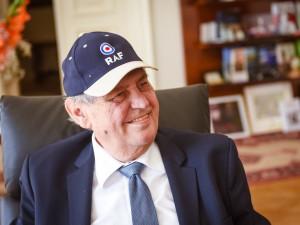 Prezident Zeman ještě dnes zůstane v nemocnici