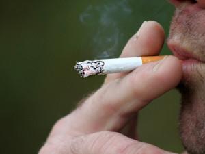 Bosch bude nekuřáckou firmou, podle odborů to omezuje osobní svobodu