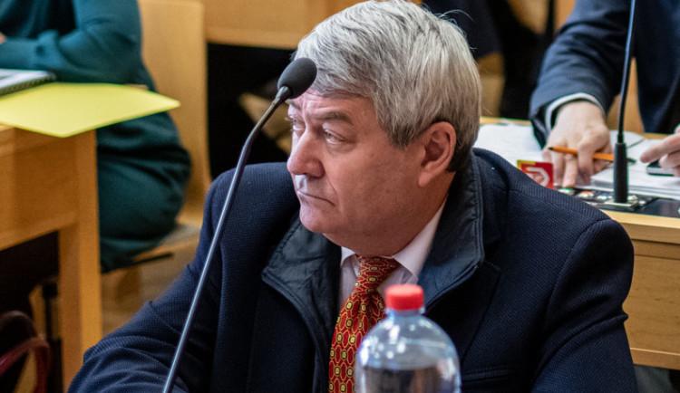VOLBY 2021: Průběžné volební výsledky naznačují historický volební neúspěch KSČM