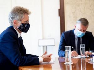 Předseda Senátu si vyžádá od kancléře informace o stavu Zemana. Prezident zůstává v nemocnici