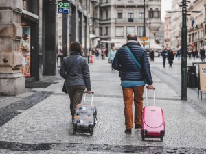 Turismus je na dně, hrozí miliardové ztráty, varují odborníci