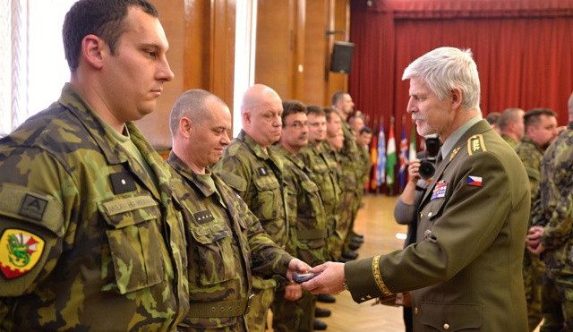 Generál Pavel: Způsob odchodu z Afghánistánu vnímám velmi negativně